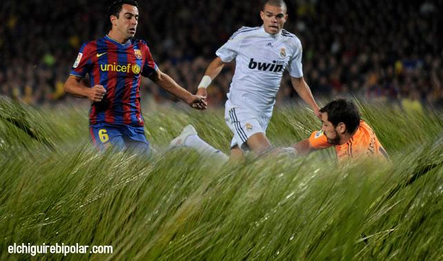 """Mourinho: """"Fracasó técnica de dejar crecer el césped&qu"""