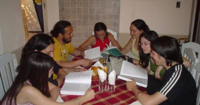 amigos-estudian