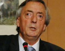 Ojo Izquierdo y Ojo Derecho de Kirchner no se ponen de acuerdo
