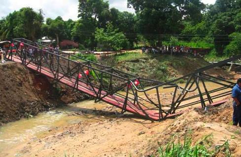 Inauguran novedoso puente hundidizo en Ciudad Bolívar