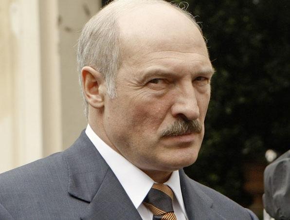 Mirada de Lukashenko intimida al redactor de esta noticia