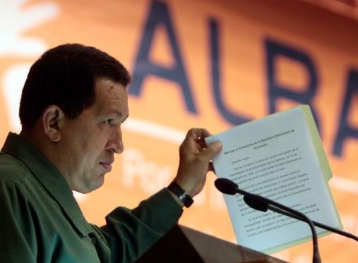 """Chávez """"Tendré que engavetar insultos que tenía preparados para Mockus de Gorila"""""""