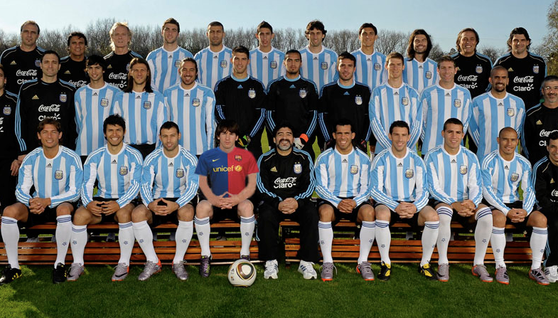En busca del gol, Maradona vestirá a Messi de Azulgrana