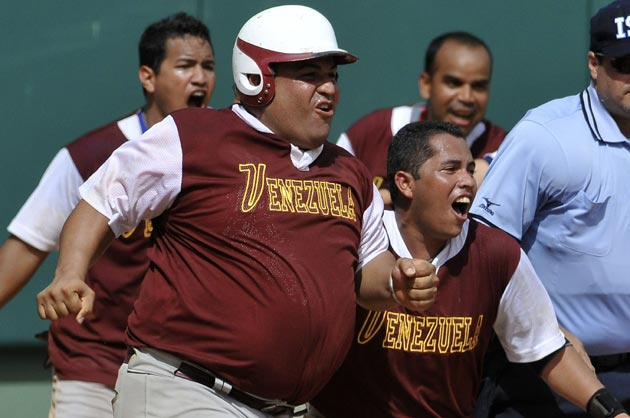 Venezuela arrasa con el oro en barrigas de cervecero en Juegos Centroamericanos