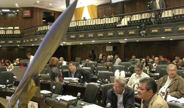 AN se debate entre aprobar ley de desarme o la compra de misiles rusos