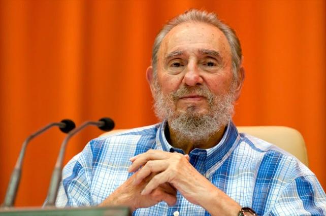 Fidel Castro estrena nueva camisa
