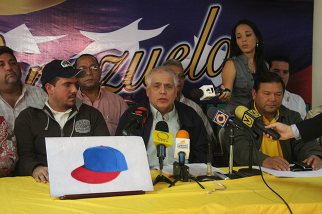 Enrique Mendoza recompensará al que dé información sobre paradero de su gorra