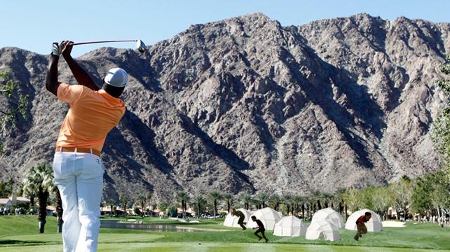 Jhonattan Vegas afecta a damnificados durante juego de golf