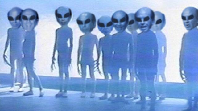 Familia extraterrestre de CAP pide que lo entierren en otro planeta
