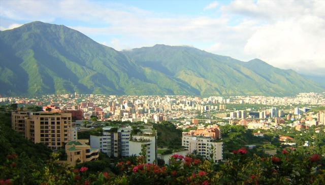 Caracas saboteará sus vías de acceso para permanecer vacía