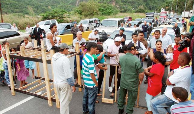 Minfra bombardeará Panamericana para evitar trancas y protestas