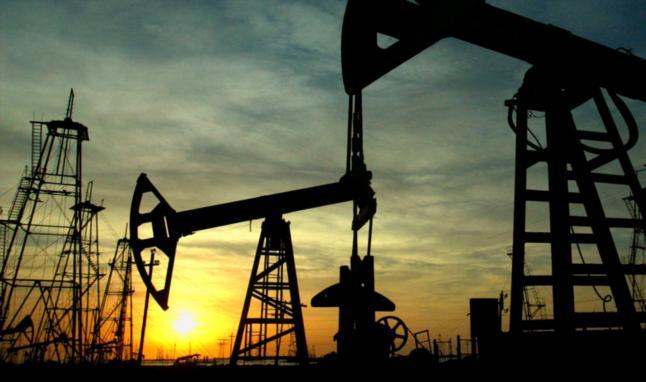 Nueva ley de precios justos baja precio del barril a $7 y economía colapsa