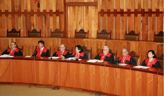 Chávez pide al TSJ que haga lo que él diga de forma autónoma