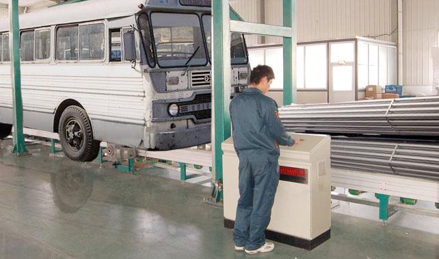Contratista china fundirá camioneticas de conductores en paro para hacer cabillas