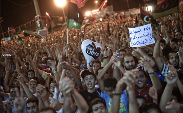 OTAN espera que rebeldes libios tomen el poder para iniciar bombardeo contra ellos