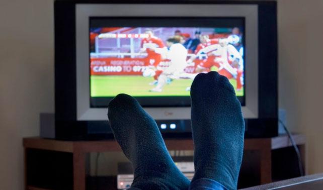 Televidente soluciona hambruna en Somalia cambiando del noticiero al fútbol