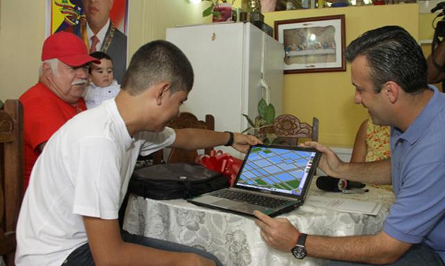 El Aissami muestra a venezolanos cómo ha reducido el crímen en Sim City
