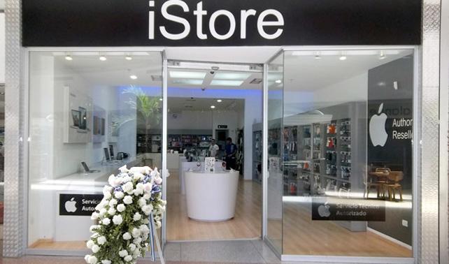 Fans de Jobs no consiguen Apple Store donde dejar ofrendas y las dejan en un distribuidor autorizado