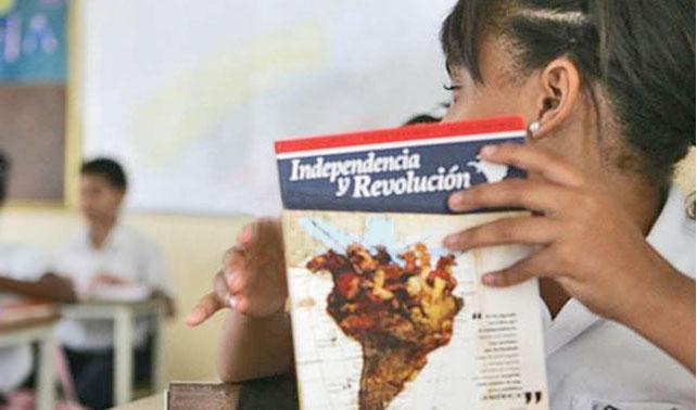 """Niños: """"Continuaremos ignorando el contenido de los libros, sean chavistas o no"""""""