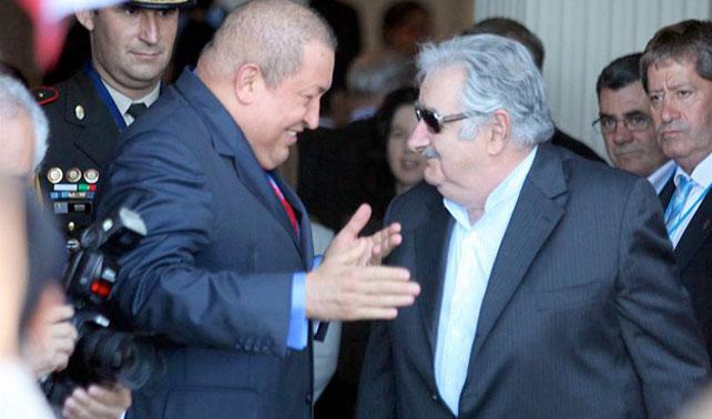 Chávez ingresa al Mercosur; pero Venezuela aún no ha podido