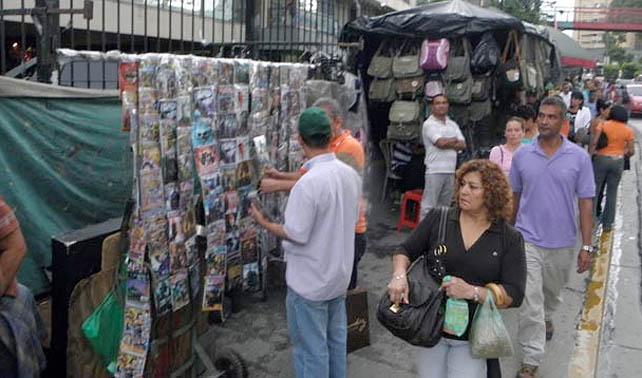 Comerciantes de películas quemadas venderán DVDs en blanco en protesta a Ley SOPA