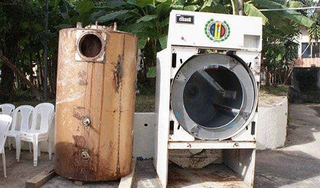 Maquinaria de AD resulta ser una secadora vieja en la casa de Ramos Allup