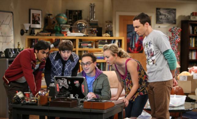 """Emotiva cadena hace que pueblo cambie para ver """"The Big Bang Theory"""""""