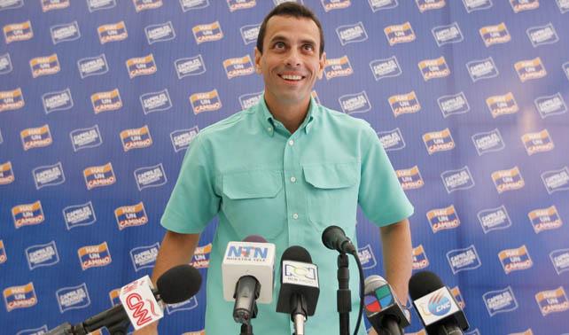 Comando Tricolor celebra que Capriles supera a Claudio Fermín en encuestas