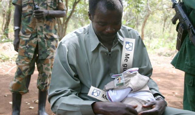 """Kony secuestra 5 millones de likes de Facebook y los convierte en """"+1"""" de Google+"""