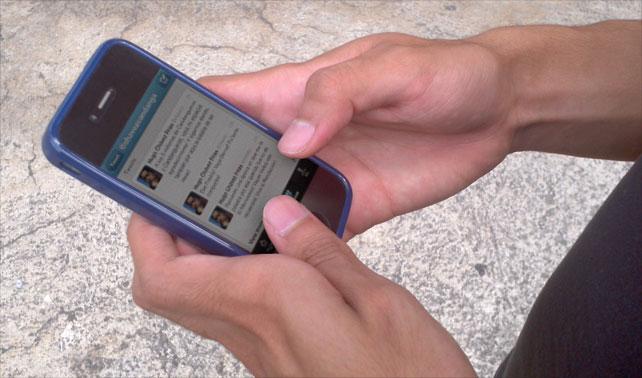 Malandro celebra los 3 millones de @Chavezcandanga desde iPhone robado