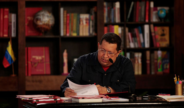 Para seguir culpándola por todo, Chávez extiende plazo de la 4ta República hasta 2006