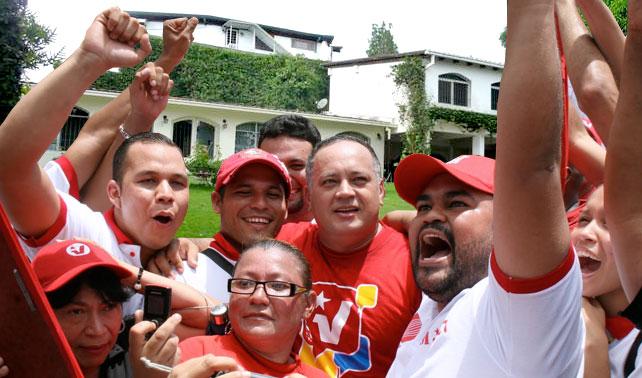 """Diosdado inicia """"Mansión por Mansión"""" para promover chavismo entre sus vecinos"""