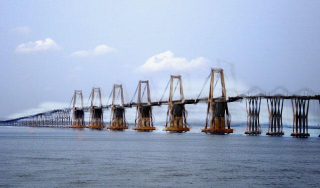 Descubren que el puente de Maracaibo no existe: es una alucinación causada por el calor