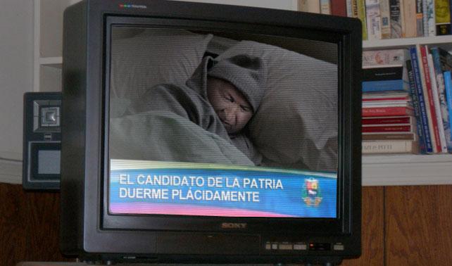 Chávez olvida ordenar fin de cadena y Venezuela ve al Presidente dormir en su cama