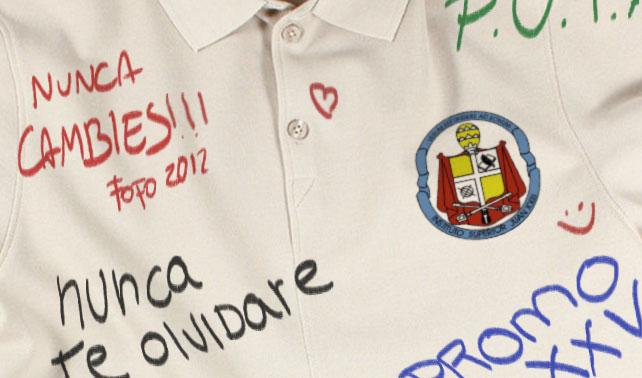 """Bachiller escribe """"nunca te olvidaré"""" sobre chemise de chama que no conoce"""