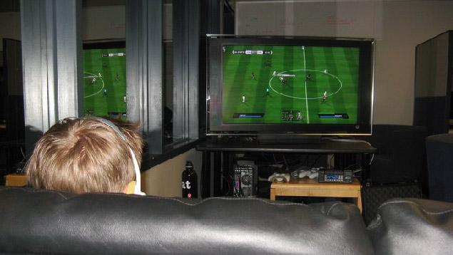 Gobierno asume como logro de la revolución victoria de niño en partido de FIFA 2012