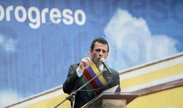 Capriles proclamado Presidente en corazón de señora para período 2013-2019
