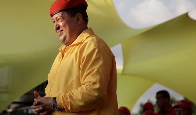 Chávez acepta errores y pide reelección para seguir cometiéndolos