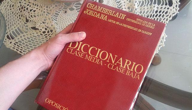 Oposición compra diccionario clase media - clase baja