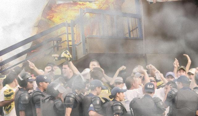 Fanaticada del Deportivo Táchira quema colegio en protesta contra el alfabetismo