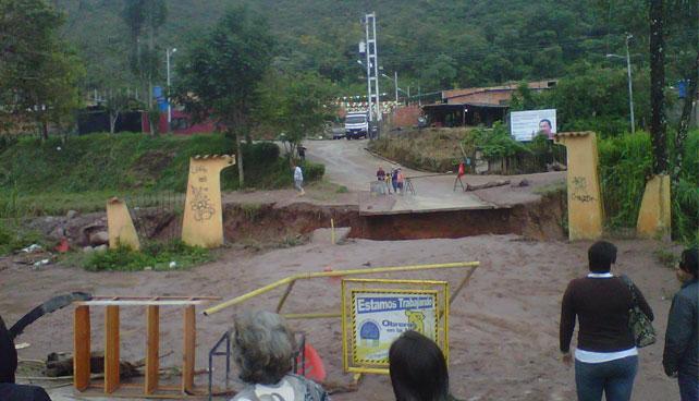 Estado Táchira aguarda derrumbes de todos los puentes que lo unen con Venezuela