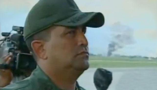 Avión caído fue parte del desfile donde representaron a gringos volviéndonos ñoña