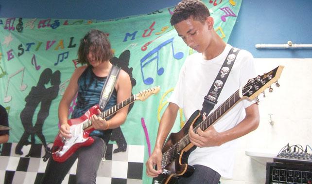 ONU lanza programa para rescatar a jóvenes sin talento que creen ser músicos