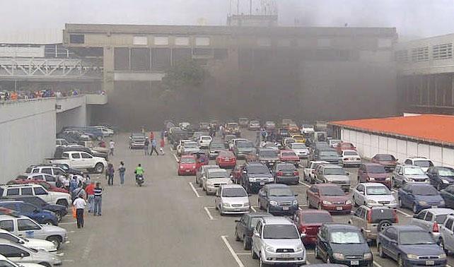 Incendio en Maiquetía no afecta en nada retraso de 15 horas en vuelo nacional