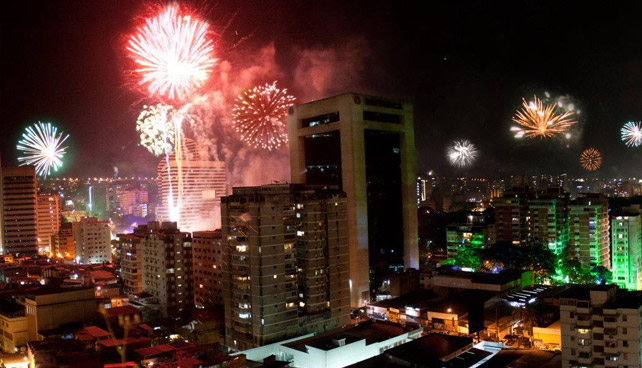 En Gaceta: Prohíben desear Feliz Año y sonreír