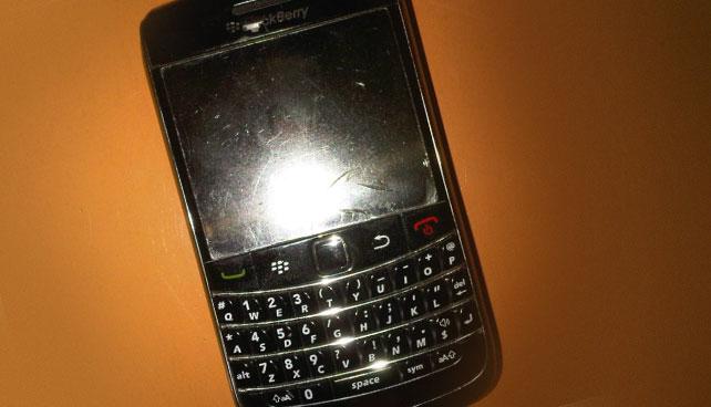 Blackberry finge su muerte para no enviar más cadenas navideñas