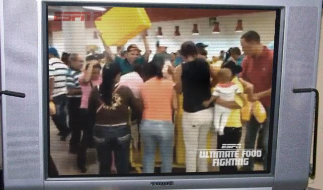 ESPN compra derechos de transmisión de luchas por pollo y harina PAN en Venezuela