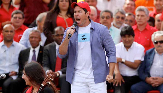 Winston, gorra tricolor, Padrón, carnavales, ley seca, Chávez desaparecido, ¿qué?, Simón Pestana