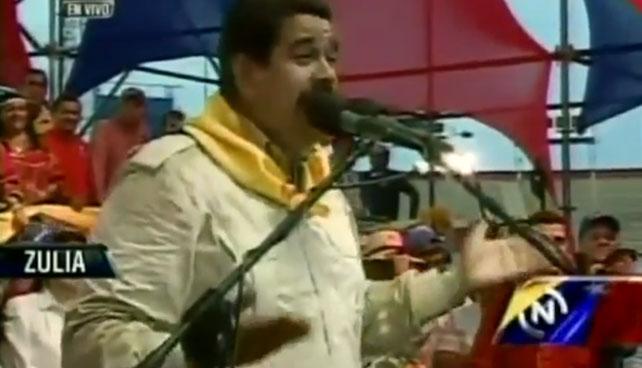Baile sonriente de Maduro hace que 28 millones olviden que Chávez murió