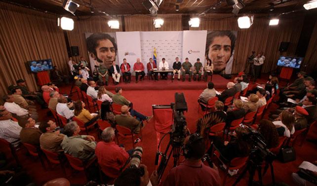 Maduro pone al país de punta para luego decir que se le olvidó lo que iba a decir